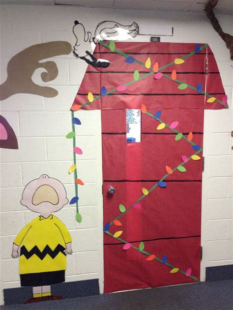 charlie brown christmas lights 1000 images about snoopy bulletin boards on pinterest