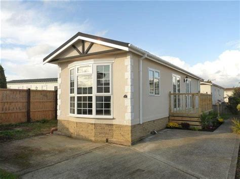 2 bedroom mobile home for sale in marigolds shripney road