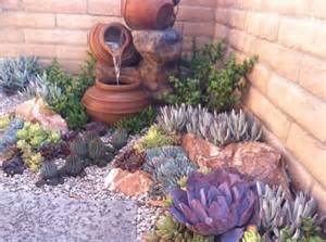 Succulent Garden Layout 26 Blooms Succulent Landscape And Design Suculentas Gardens In The Corner And