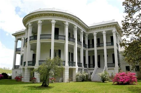 plantation homes my own lil southern plantation home styles southern