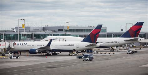 delta airlines baggage fees airlines see decline in revenue from baggage fees nbc news