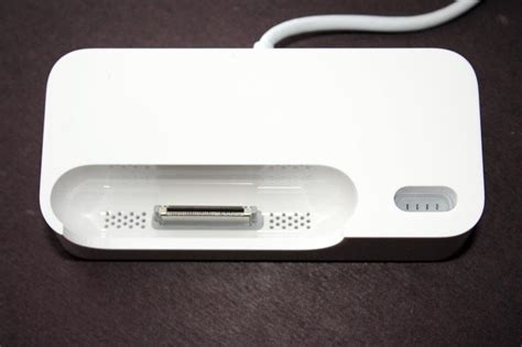 Headset Bluetooth Apple Iphone high quality photos of apple s bluetooth headset and duo dock