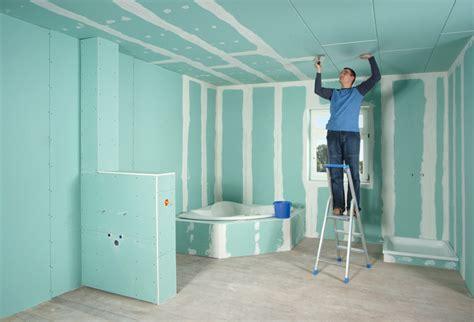 Badezimmer Decke Gipskartonplatten by Gipskartonplatten Und Ihre Spezialeigenschaften