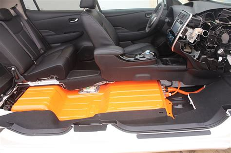 nissan leaf replacement battery nissan leaf battery replacement costs 100 per month my