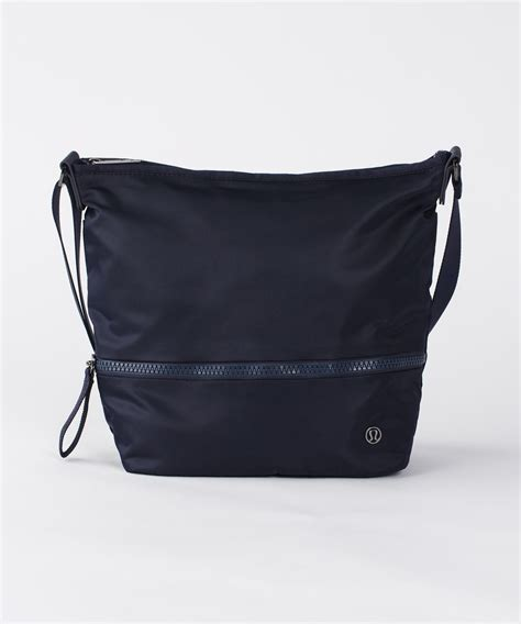 lululemon go lightly crossbody bag lululemon go lightly shoulder bag midnight navy lulu