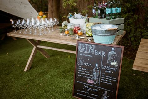 Summer Garden And Bar by Laid Back Summer Garden Wedding In Stretch Tents