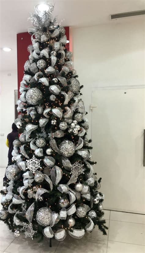 decoraciones para arboles de navidad las 25 mejores ideas sobre navidad plateado en y