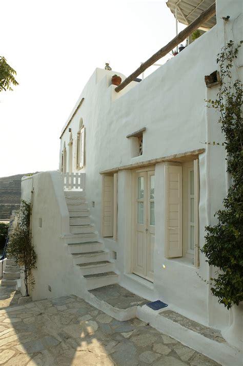 simplicidad rustica en una isla griega casas estilo rustico