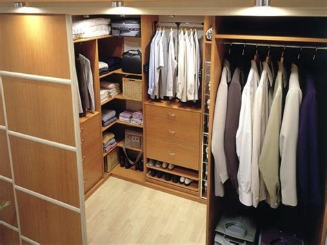 Find Closet Organizers by 33 Walk In Closet Design Ideas To Find Solace In Master