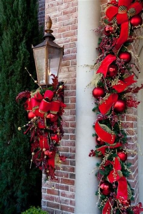 swag christmas lights outdoor 300 best images about crafts christmas wreaths on