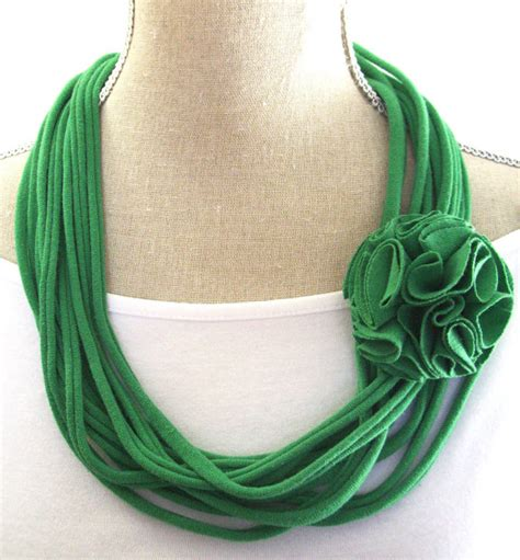 10 Green Accessories by 5 Emerald Green Accessories You Ll Want To Wear