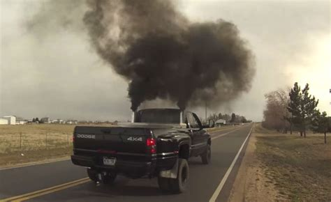 volkswagen diesel rolling coal illinois bill would levy 5 000 fine for drivers rolling