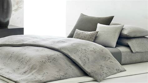Comforter Buying Guide by Guide Archives The Hut