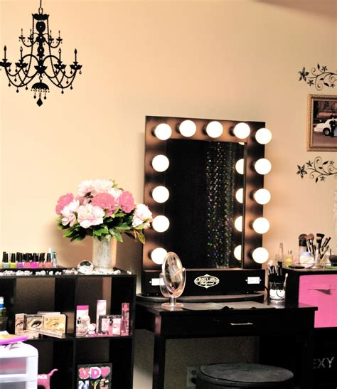 vanities for bedrooms with lights and mirror bedroom vanity with lighted mirror good looking