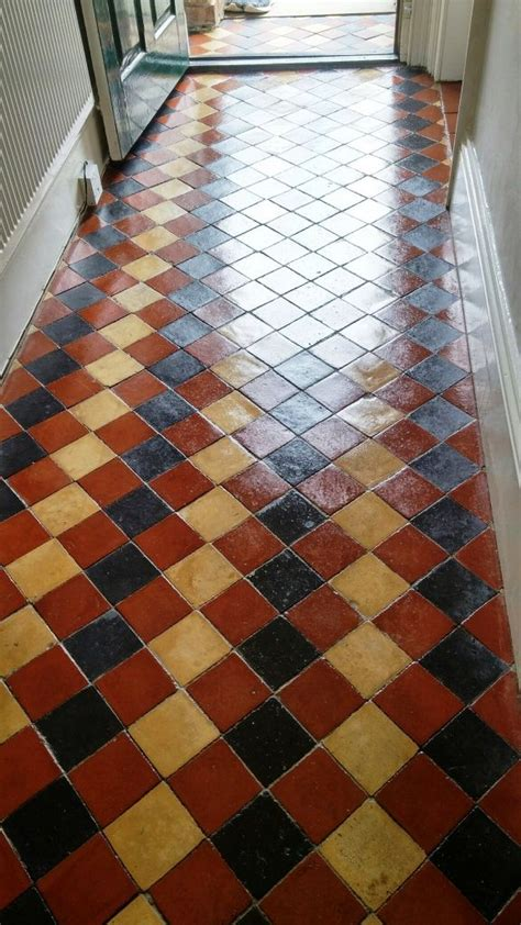 Best 25  Tiled hallway ideas on Pinterest