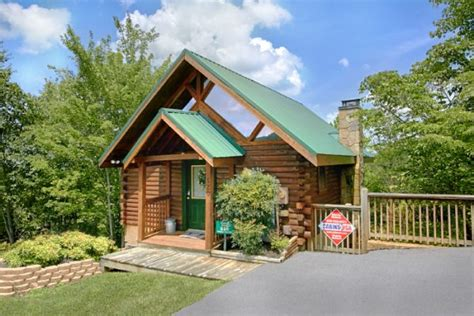 Pidgeon Forge Cabin Rentals by Pigeon Forge Honeymoon Cabin With Swimming Pool Ridge