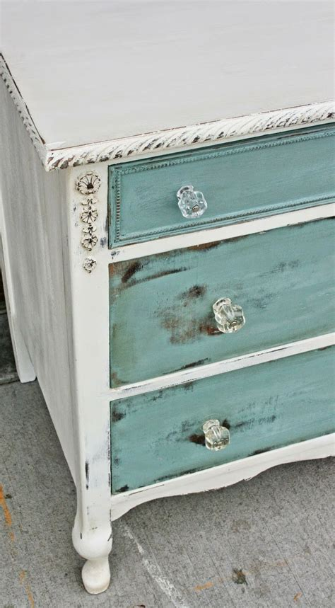 distressing chalk painted furniture 8 tips for distressing furniture page 6 of 9 how to