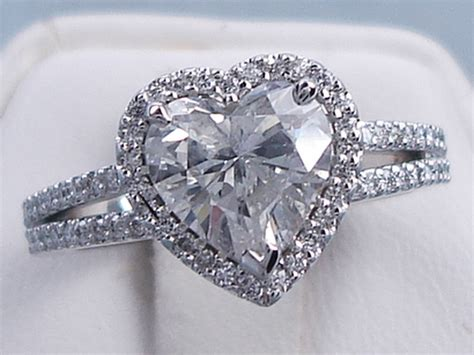 2.13 CTW HEART SHAPE DIAMOND WEDDING RING SET (Includes a Matching Wedding Ring)