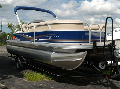 new pontoon boats new 2014 suntracker party barge 20 signature pontoon boat