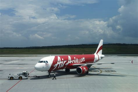 airasia uk airasia qz8501 missing flight crashed in east pacific