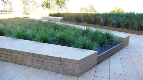 Planter Edging by Grass Planter Detail With Seatwall Metal Edge