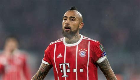 ronaldo juventus bayern munich arturo vidal rages at cristiano ronaldo penalty during bayern munich match metro news