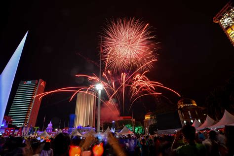 new year events malaysia malaysia kuala lumpur new year celebrations the golden scope