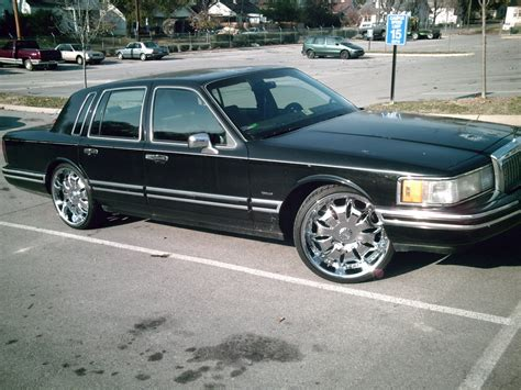 lincons  lincoln town car specs  modification info  cardomain