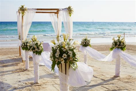 planning a home wedding what you need to know to plan a beach wedding sea ranch