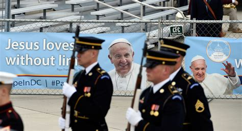 the pope and the maryland cheers anticipation as pope francis arrives for u s