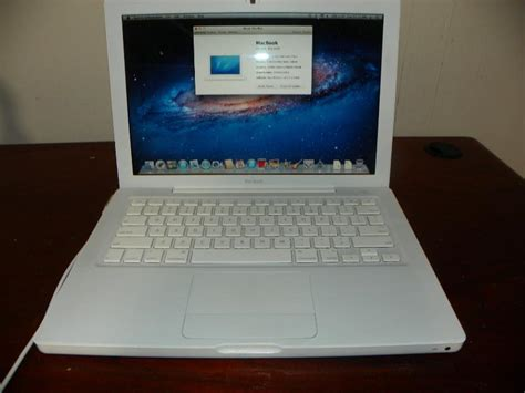 Laptop Apple Macbook White 2 1 apple macbook white 2 2 2 duo 4gb ram 250gb 320gb drive
