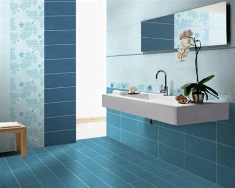 blue tile badezimmer 20 beispiele f 252 r blaue bodenfliesen im badezimmer