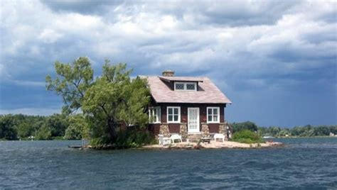 living on a boat in rhode island small island houses coastal homes small houses