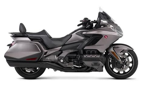 Motorrad Trader Usa by 2018 Honda Gold Wing Honda Redesigns Its Iconic Bike From