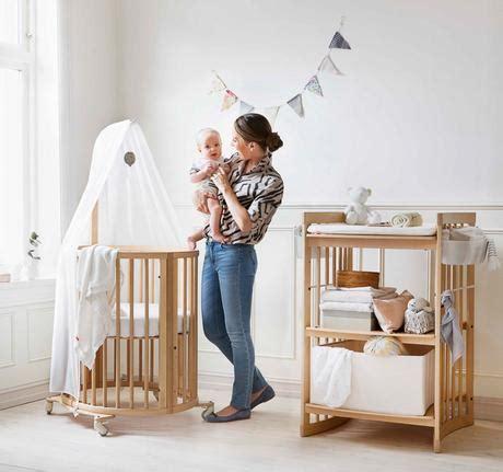 cambiador de cuna para bebe cunas para beb 233 s la famosa cuna ovalada stokke paperblog