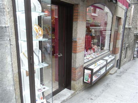 porta ingresso negozio porta e vetrine esterne negozio citt 224 san marino