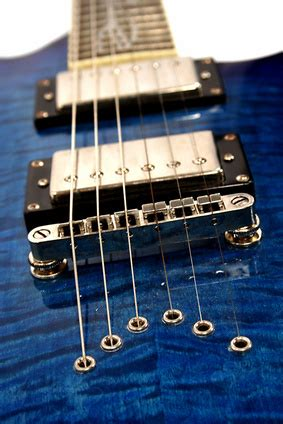 Difference Between Light Heavy Guitar Strings Ehow Uk Light Vs Heavy Guitar Strings