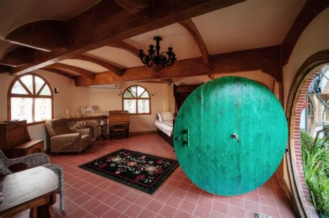 hobbits home 14 spectacular quot hobbit houses quot you can actually stay