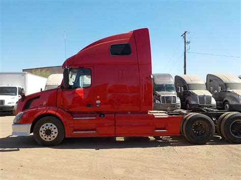 2013 volvo semi 2013 volvo vnl64t670 sleeper semi truck for sale 388 620