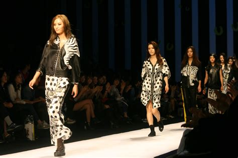 Show And Tell The Budget Fashionista At Fashion Week by 10 Things I Learned Covering Events For New York Fashion
