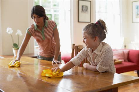 cleaning a house with preschoolers don t be silly have 10 simple ways to help children clean house