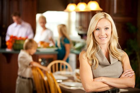how to be a hostess at a dinner tips for a stress free thanksgiving dinner prep