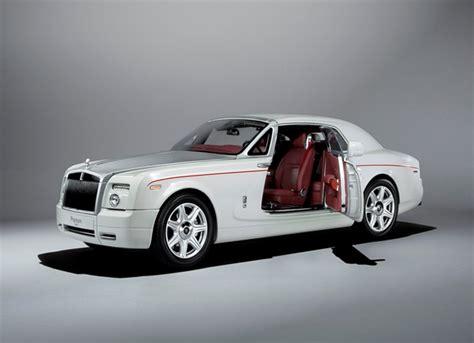 rolls royce phantom coupe in white diecast model