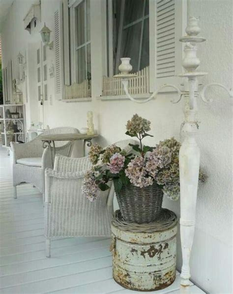 Shabby Chic Porch Decorating Ideas by 25 Best Ideas About Shabby Chic Porch On