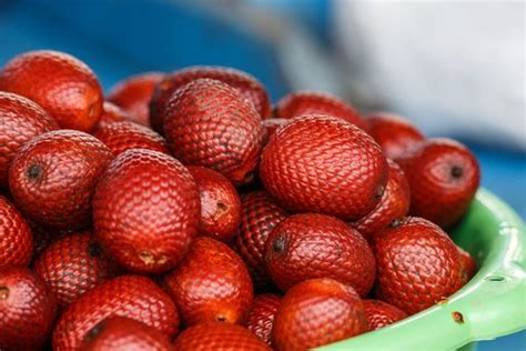 Aguaje fruit   16 fruits you've probably never heard of