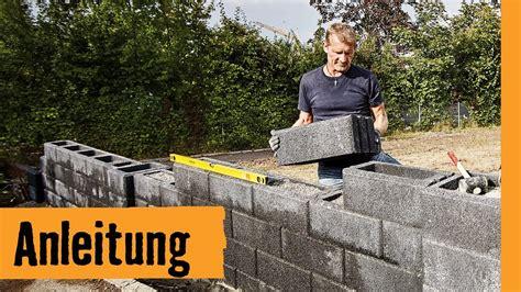 garten mauer gartenmauer bauen mit hohlsteinen hornbach