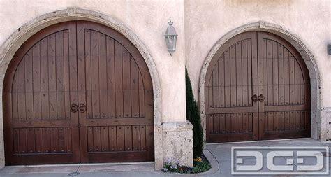 Garage Arch by Tuscan Garage Door 12 Arched Top Garage Doors With