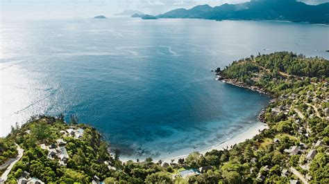 seasons resort seychelles  kuoni hotel  seychelles