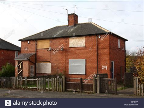 buy a house in nottingham derelict council houses in the broxtowe area of nottingham england stock photo