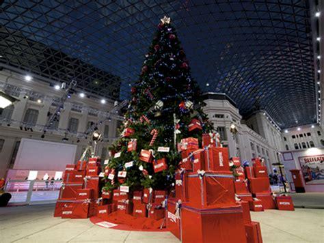 arbol de navidad gigante alquiler de 225 rboles de navidad gigantes